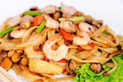 1106 Лапша с морепродуктами