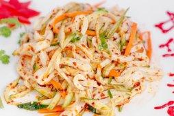 121 Салат из кальмара с овощами