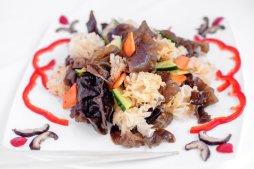 120 Салат из черных и белых древесных грибов