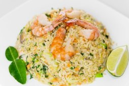 1102 Рис с овощами и морепродуктами