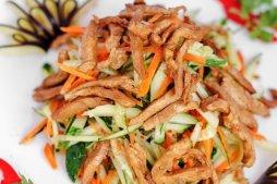 111 Салат из свинины с огурцом